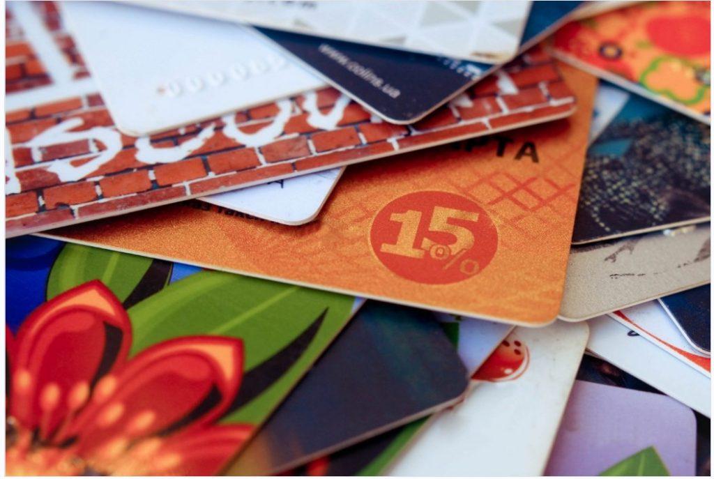 暗号通貨でギフトカードを取引できる12のプラットフォーム