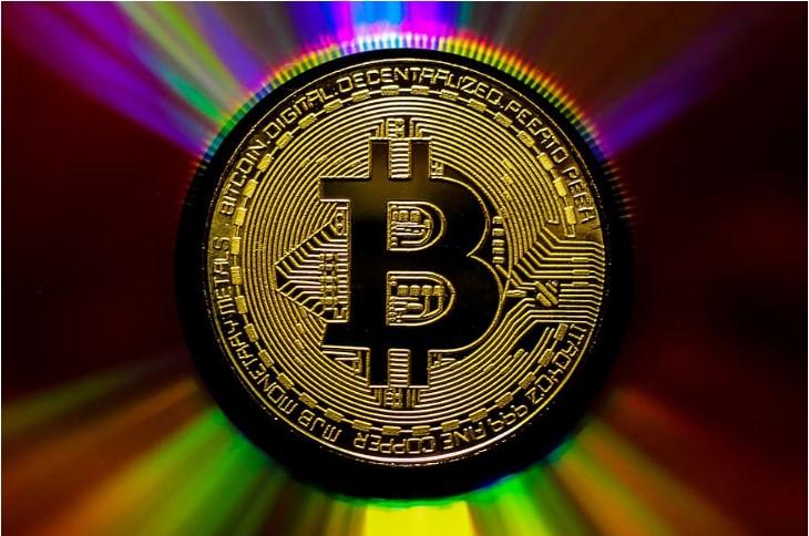 10万ドルのビットコイン予測が調整!