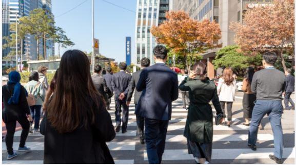 韓国の主要企業の元従業員が数百万の暗号通貨の利益をポケットに入れた後、仕事を辞める