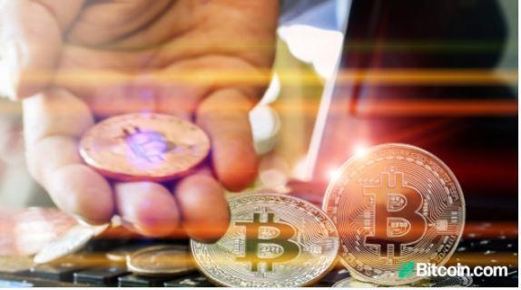 顧客が既存の銀行口座を通じてビットコインを購入、販売、保持できるようにする米国の数百の銀行